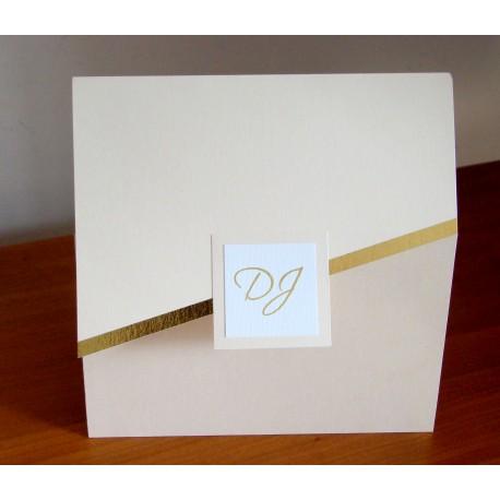 Invitaciones tríptico con franja dorada